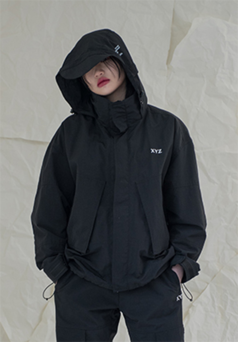 XYZ UNISEX POCKET WINDBREAKER - BLACK