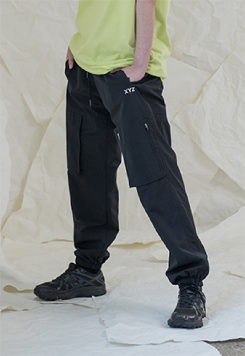 XYZ UNISEX POCKET JOGGER PANTS - BLACK