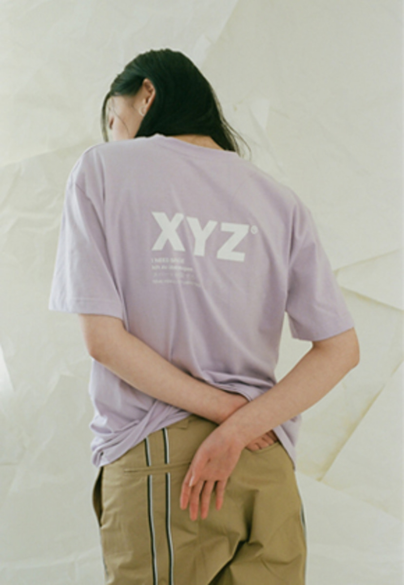 XYZ UNISEX LOGO T-SHIRT - LIGHT PURPLE
