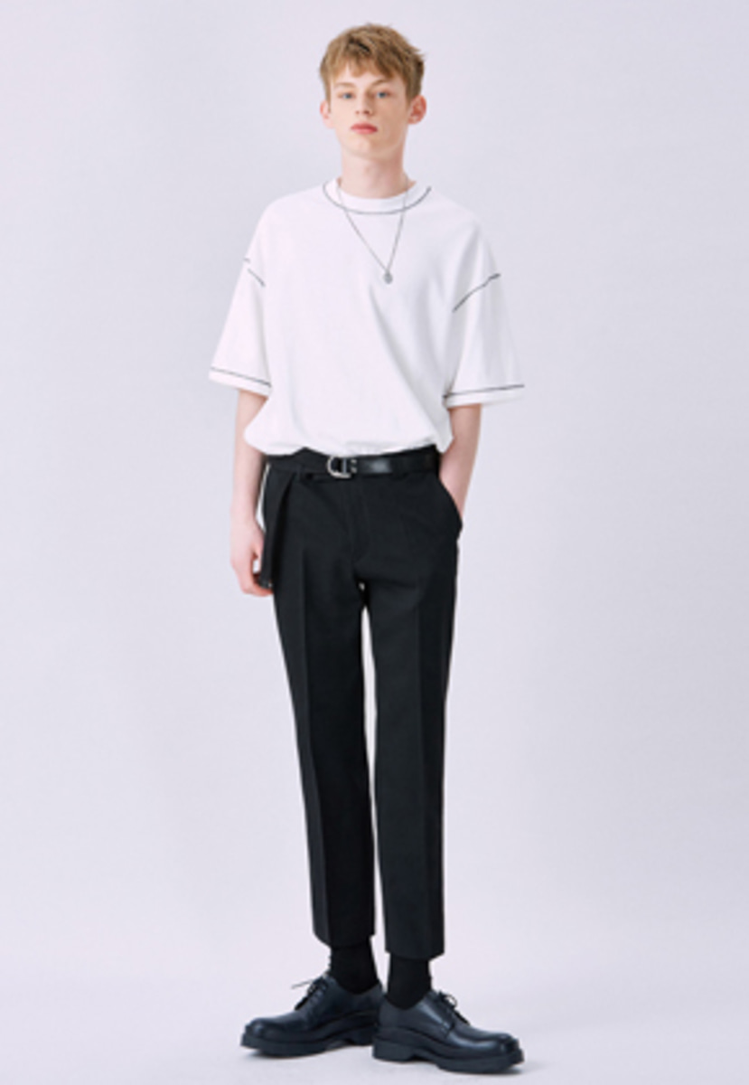Voiebit브아빗 V228 TOURS CROP SLACKS  BLACK