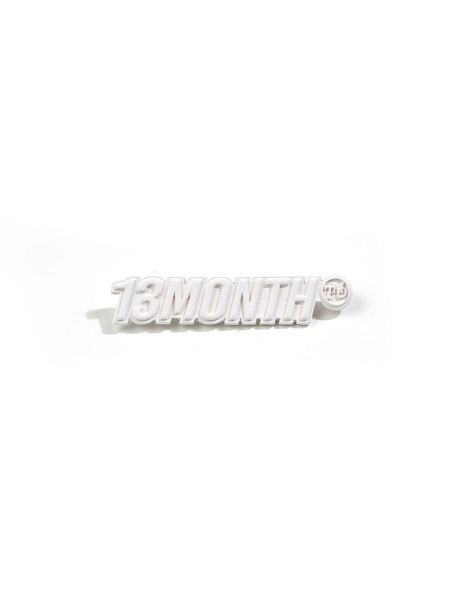 13Month써틴먼스 LOGO BROOCH (WHITE)