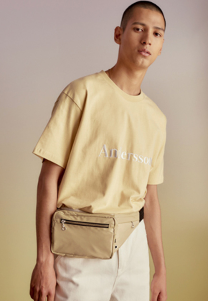 Anderssonbell앤더슨벨 UNISEX ANDERSSON SIGNATURE EMBROIDERY TEE atb211u(Cream)