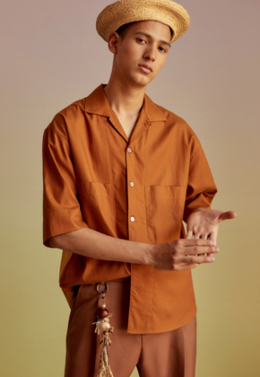 Anderssonbell앤더슨벨 SEASIDE COLOR BLOCK OPEN COLLAR SHIRT atb197m(Orange Brown)