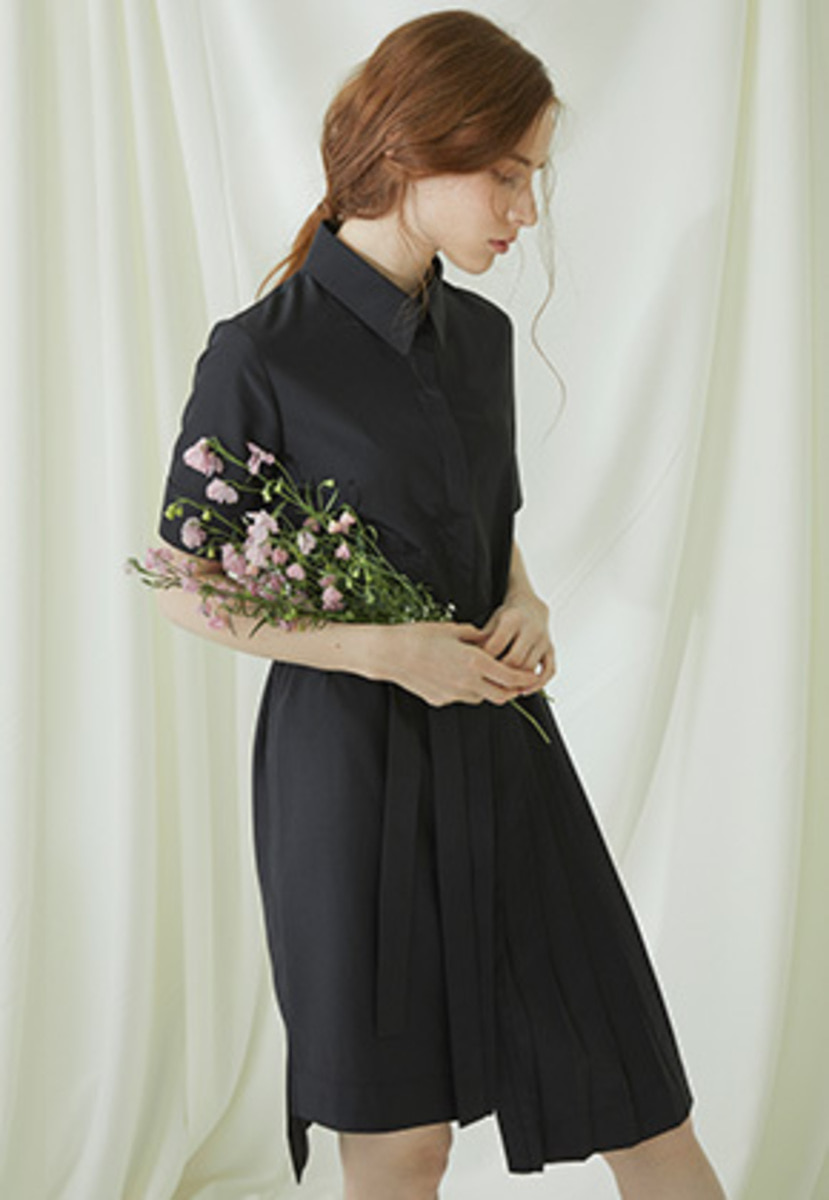 Millogrem밀로그램 Partial Pleats Dress - black