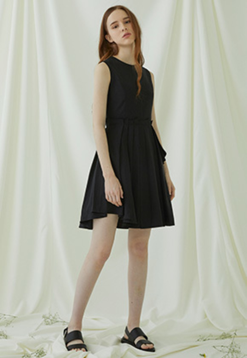 Millogrem밀로그램 Multiple Layered Sleeveless Dress - black