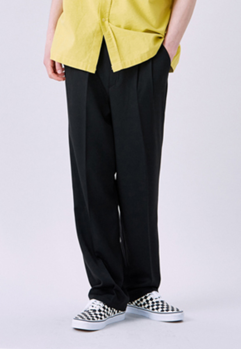 Voiebit브아빗 v230 TWO TUCK WIDE SLACKS  BLACK