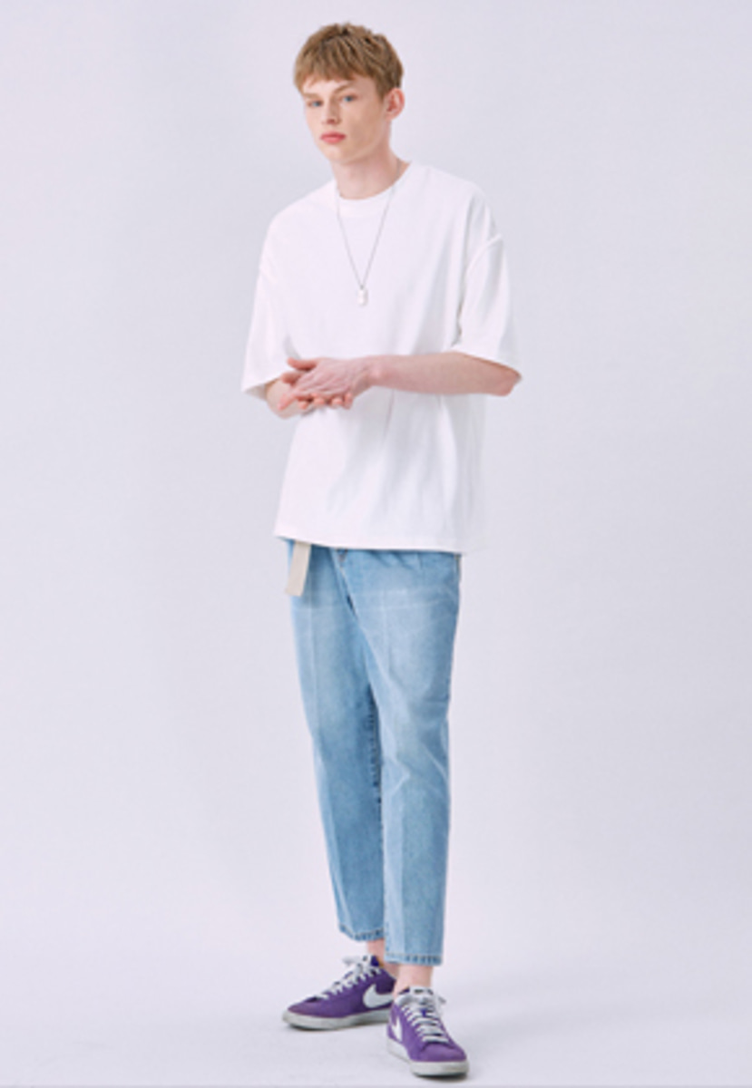 Voiebit브아빗 V328 LINE CUTTING HALF-TEE  WHITE