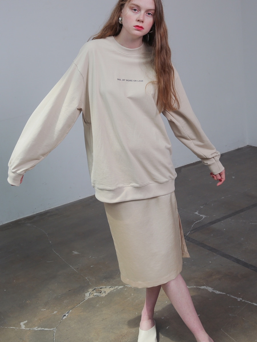 More or Less모어올레스 (UNISEX) SUMMER SWEATSHIRTSLIGHT BEIGE