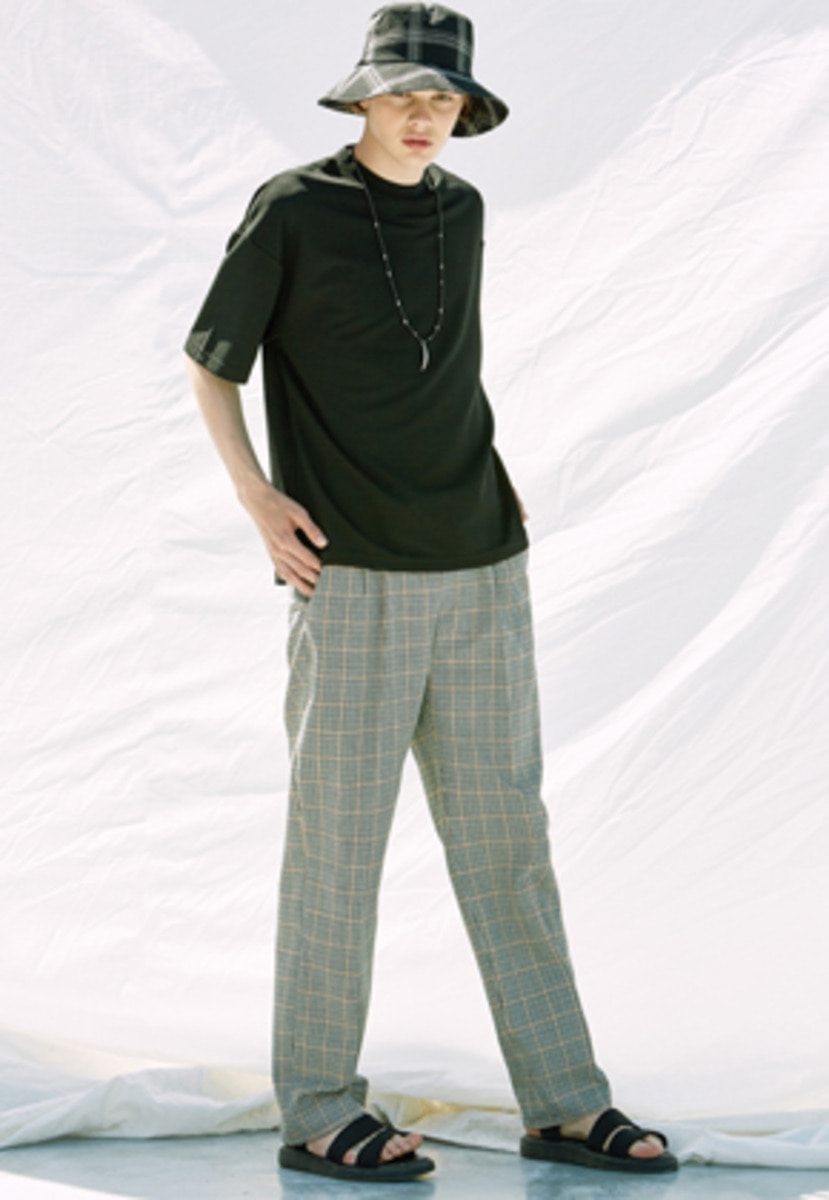 Voiebit브아빗 V241 CHECK WIDE PANTS  BROWN