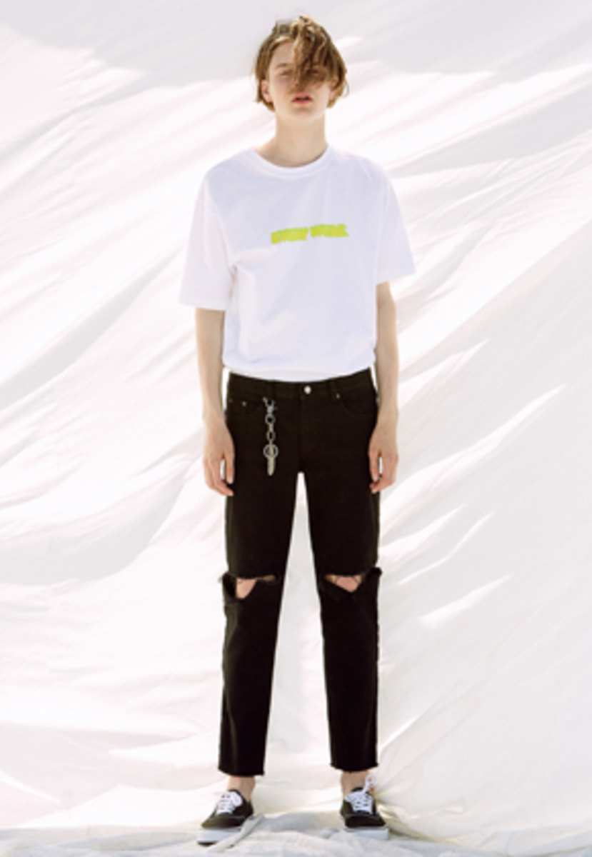 Voiebit브아빗 V242 T-LINE CUTTING DENIM PANTS  BLACK