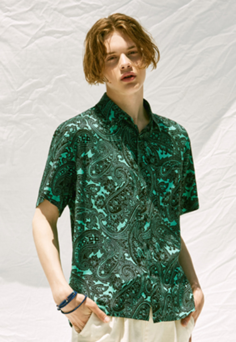 Voiebit브아빗 V430 PAISELY HALF-SHIRT  GREEN