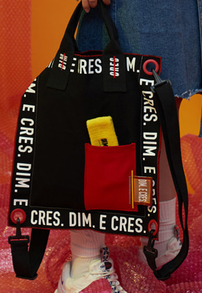 DIM.E.CRES.딤에크레스 DIM. E CRES. SQUARED STRING BAG_BLACK