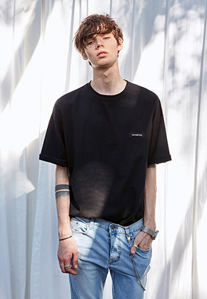 Yan13얀써틴 SIGNATURE OVER-FIT T-SHIRTS_BLACK