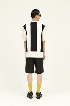 SEC세크 [Unisex] Colour Blocked T-Shirt _ Black