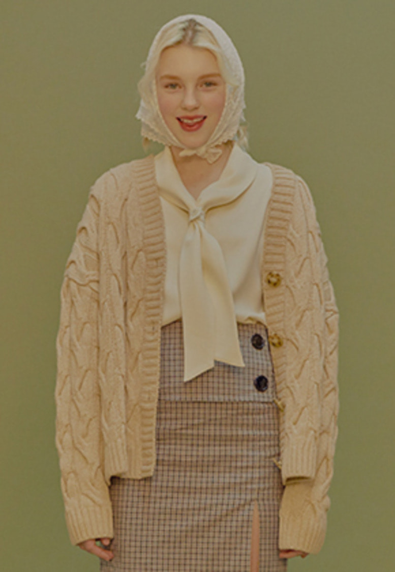 Margarin Fingers마가린핑거스 CABLE KNIT CARDIGAN (BEIGE)