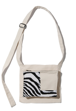 Kruchi크루치 Zebra Pocket bag  -  (ivory)