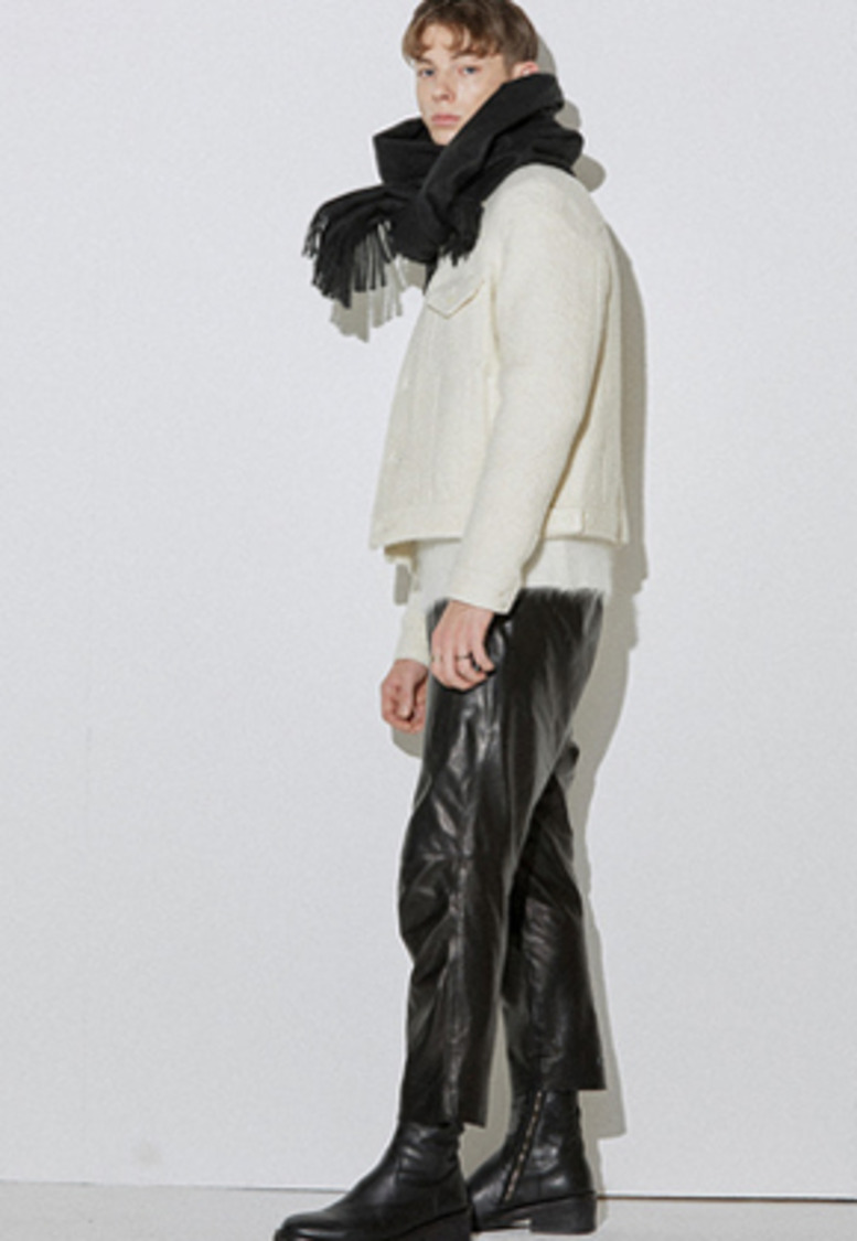 Haleine알렌느 WHITE shearing effect wool jacket