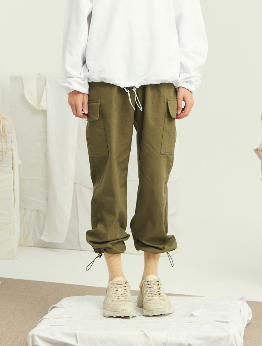 13Month써틴먼스 STRING WIDE CARGO PANTS (KHAKI)