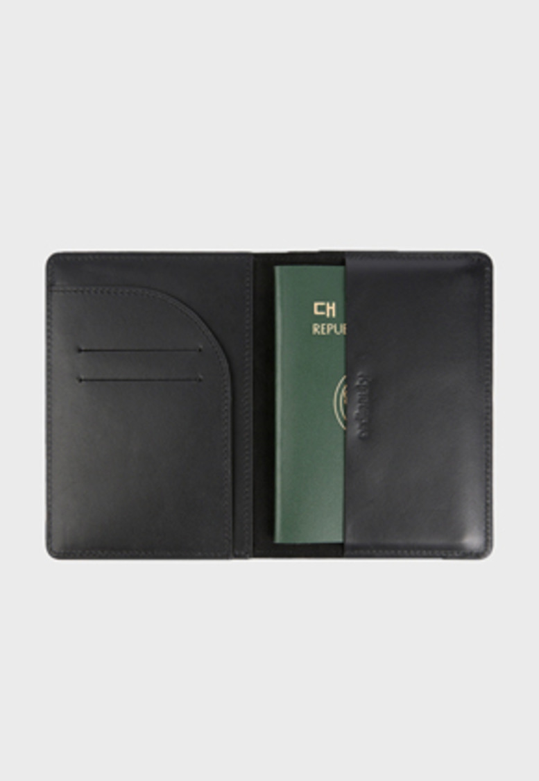 Ordinauty오디너티 All in 1 PASSPORT BLACK (Buttero, Italy vegetable leather)