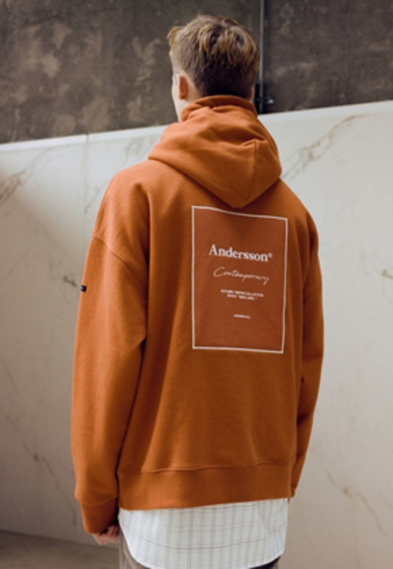 Anderssonbell앤더슨벨 UNISEX ANDERSSON SIGNATURE PATCH HOODIE atb230u(Brick)