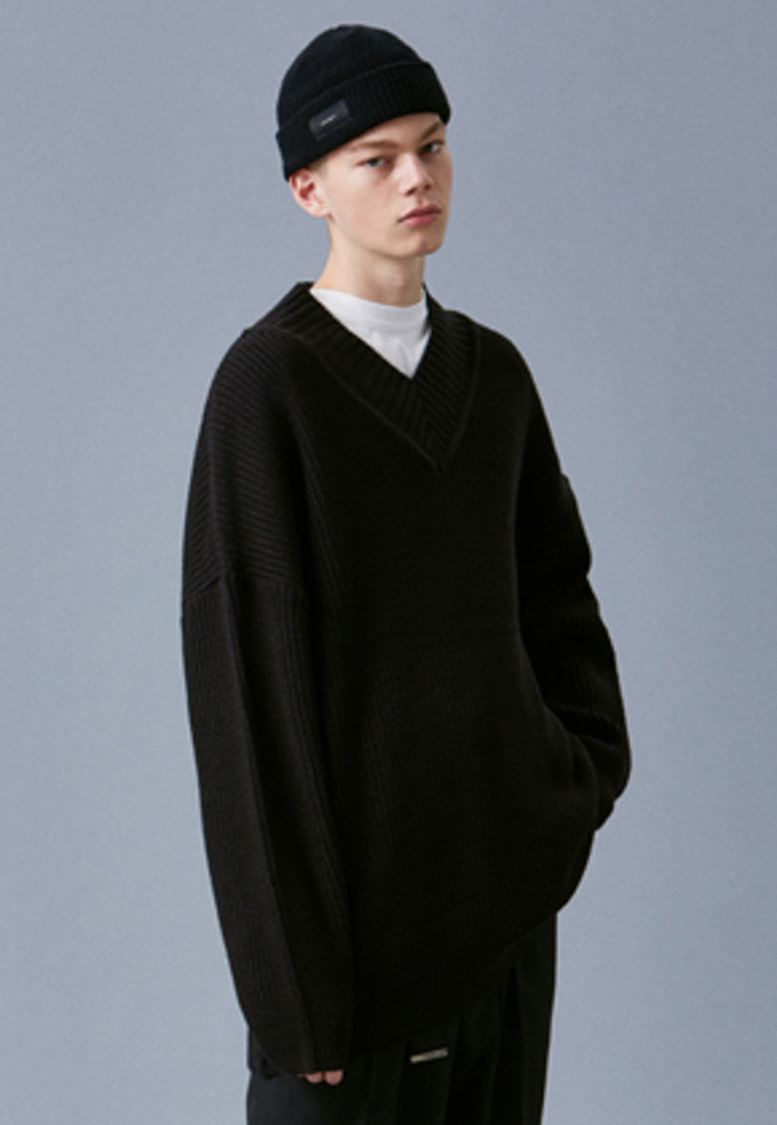 Voiebit브아빗 V542 OVERSIZE LONG V-NECK KNIT  BLACK
