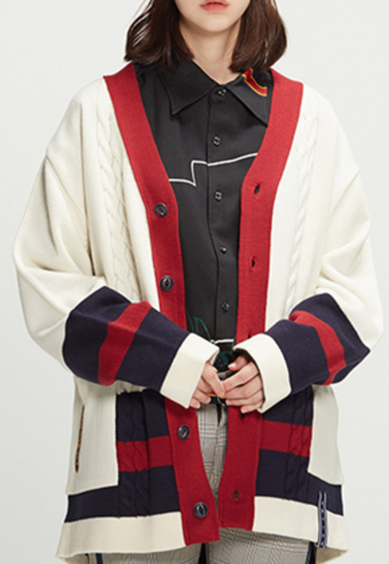 Romantic Crown로맨틱크라운 Button Cable Knit Cardigan_Oatmeal