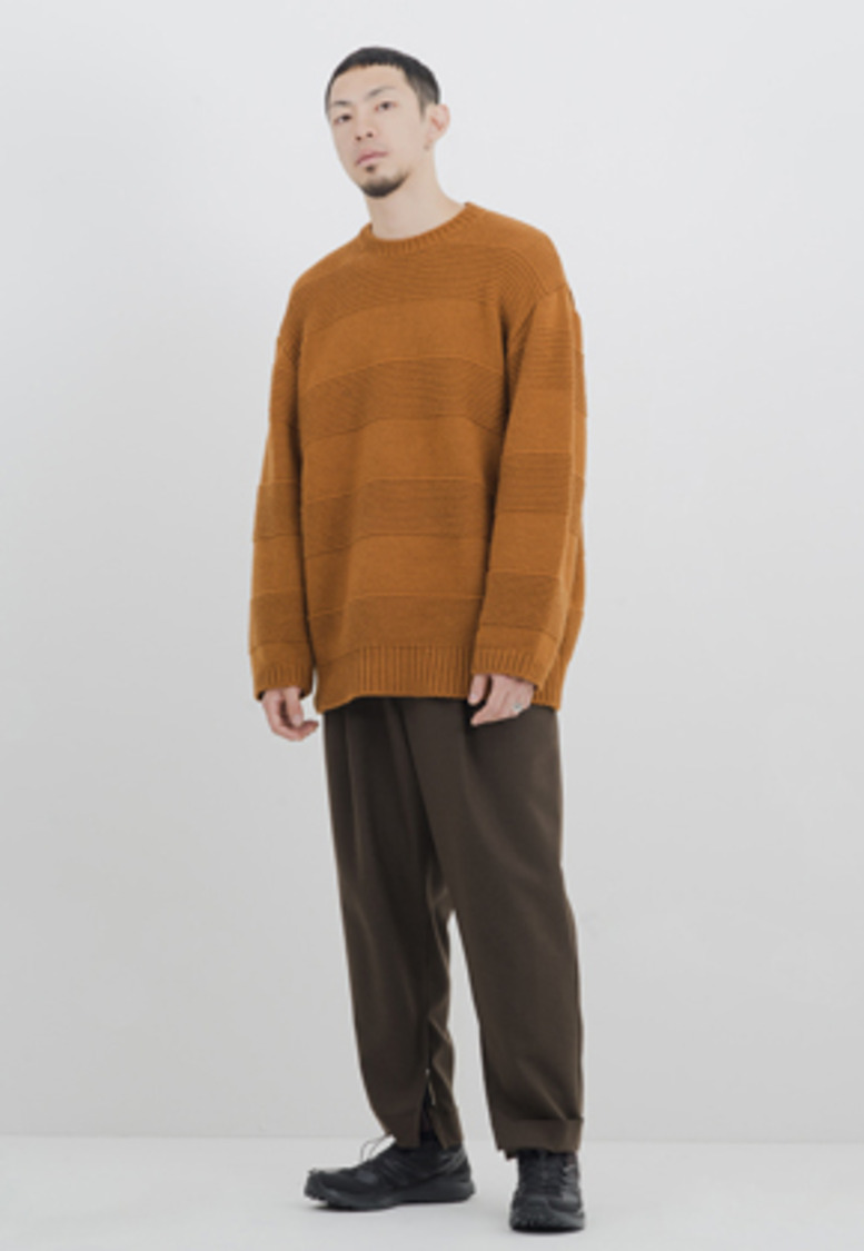 Gakuro가쿠로 Crewneck Sweater (Pecan)