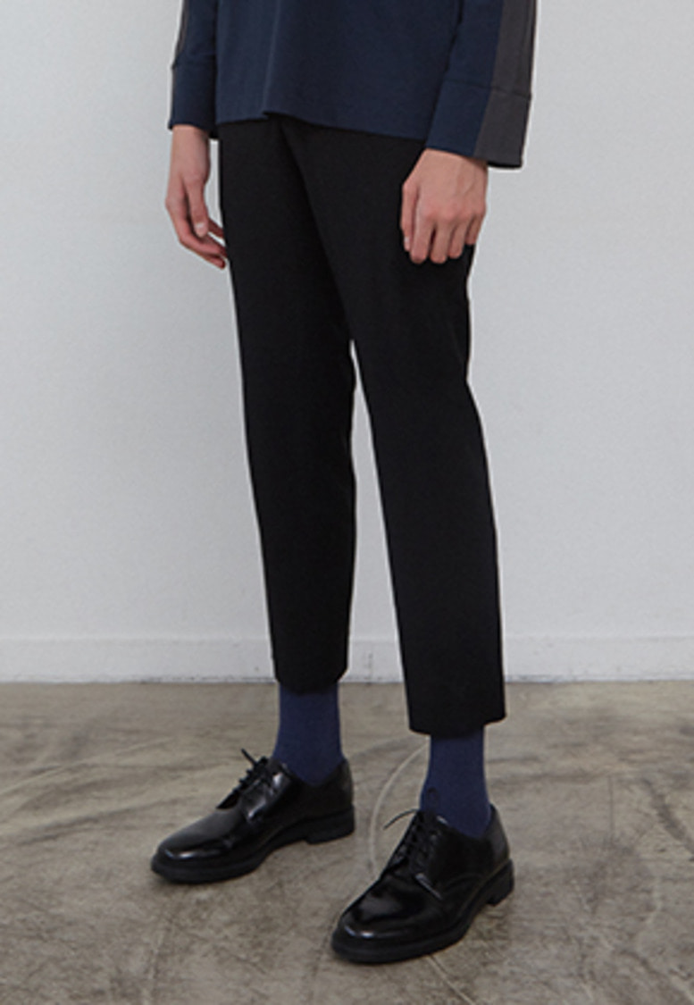 Muguet뮤게 SIDE BANDING SLACKS (BLACK)