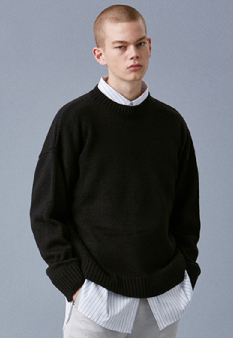 Voiebit브아빗 V541 NANTES BASIC ROUND KNIT  BLACK