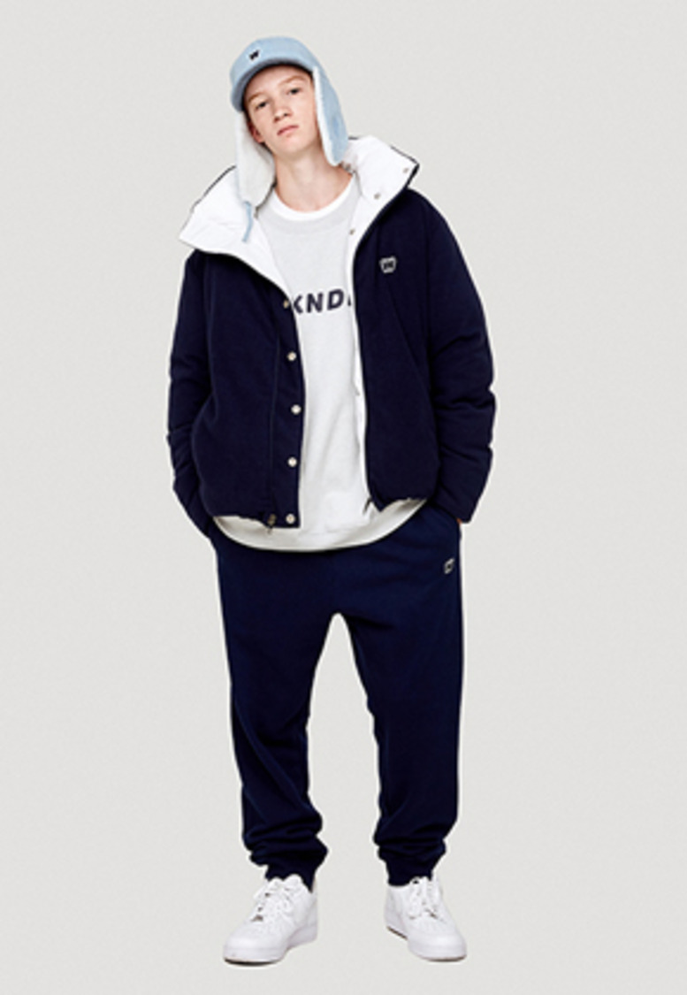 WKNDRS위캔더스 W LOGO SWEAT PANTS (NAVY)