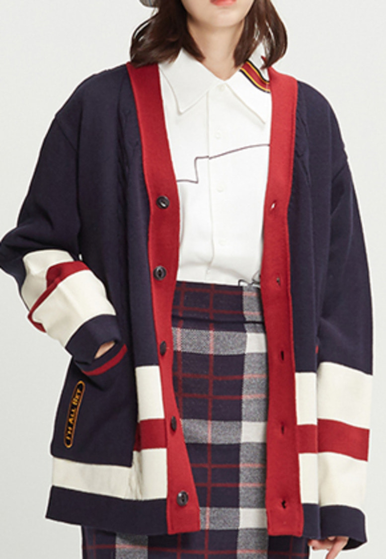 Romantic Crown로맨틱크라운 Button Cable Knit Cardigan_Navy
