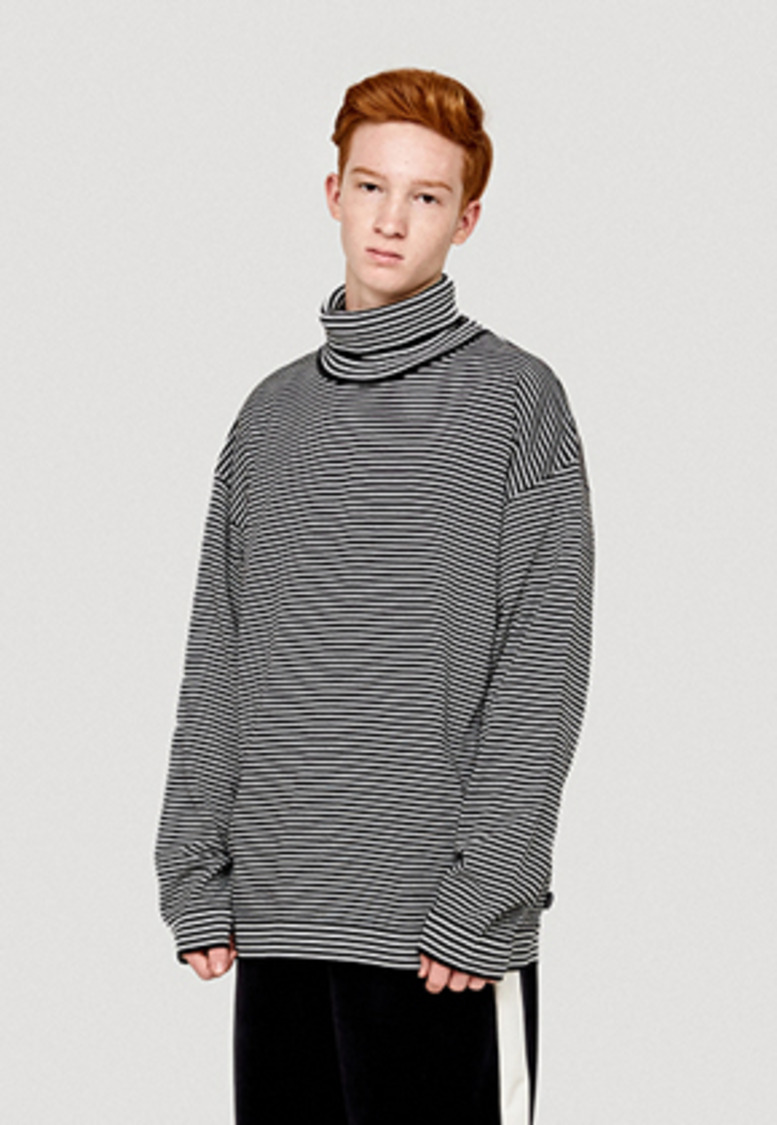 WKNDRS위캔더스 STRIPED KNIT TURTLENECK (BLACK)