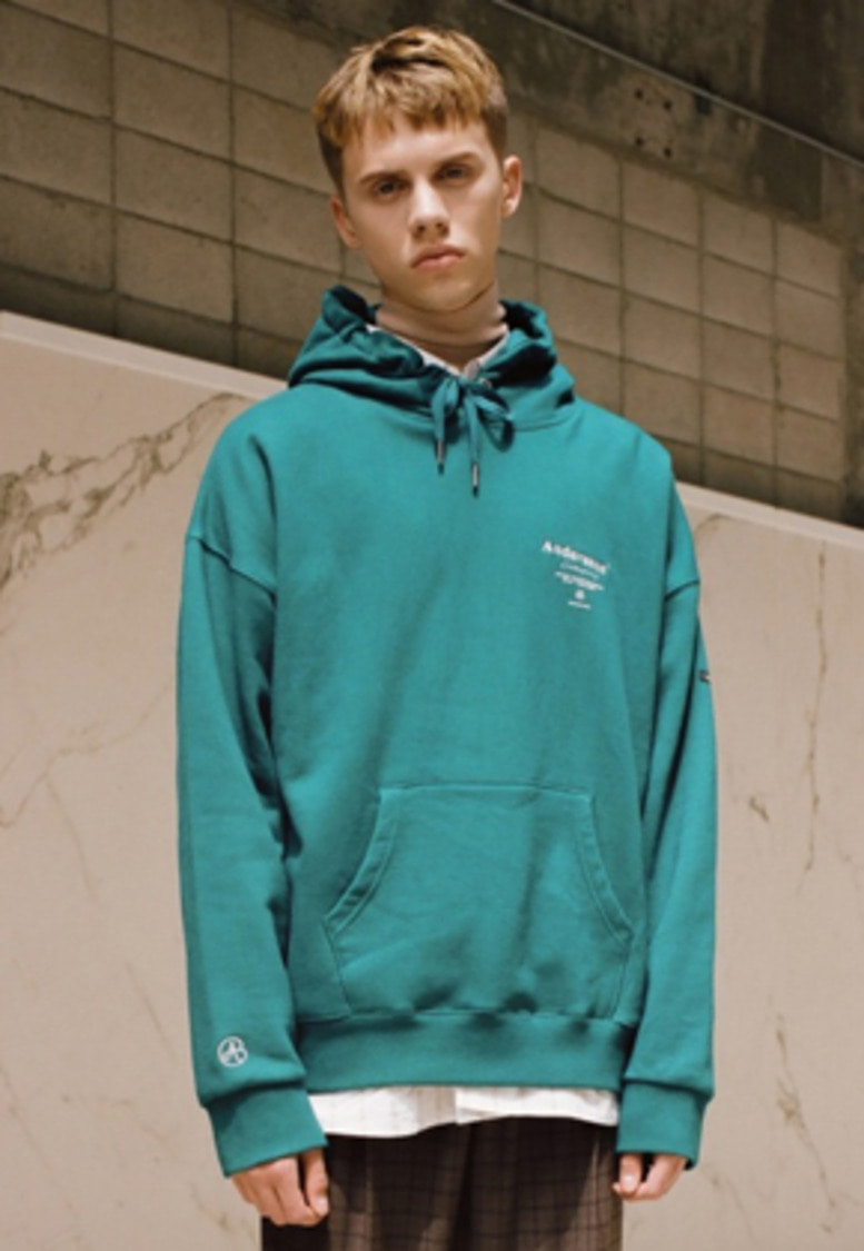 Anderssonbell앤더슨벨 UNISEX ANDERSSON SIGNATURE PATCH HOODIE atb230u(BLUEGREEN)