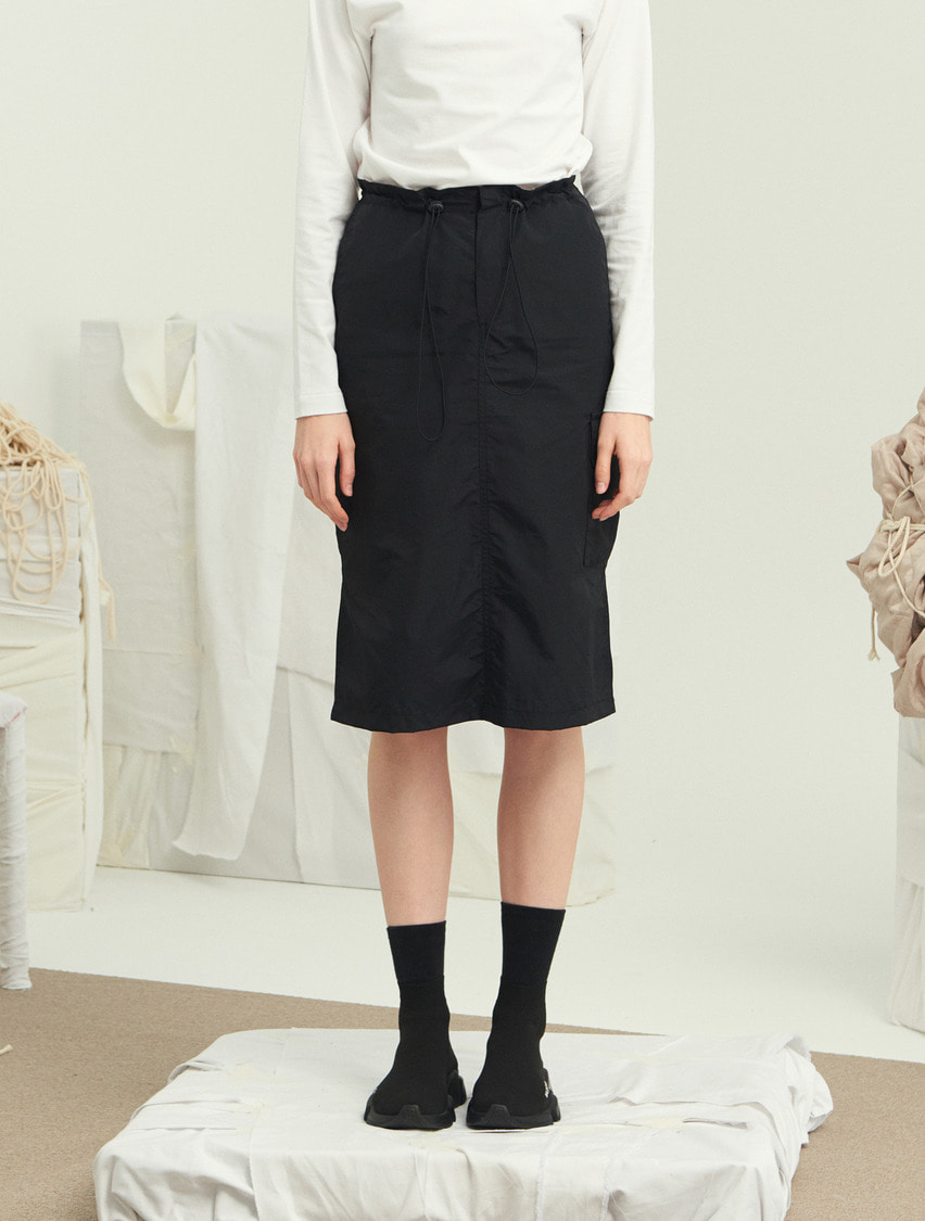 13Month써틴먼스 WAIST STRING MIDI SKIRT (BLACK)