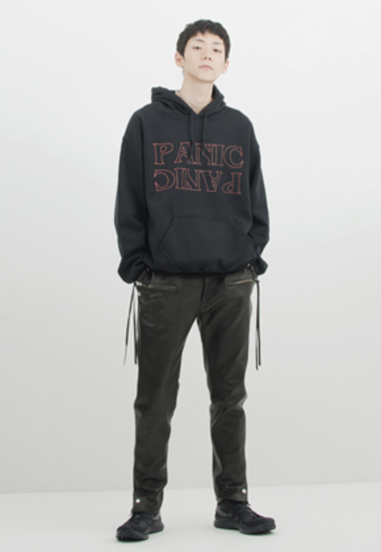 Gakuro가쿠로 'Panic' Hood Sweat (Black)