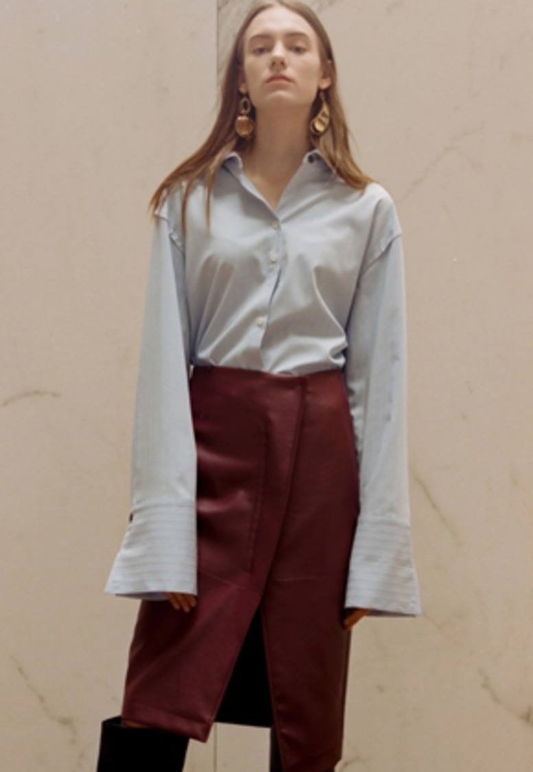 Anderssonbell앤더슨벨 SYLVIA PLEATED SLEEVE BLOUSE atb222w(Sky)