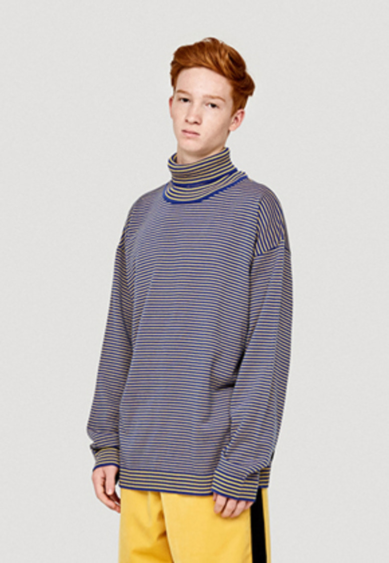 WKNDRS위캔더스 STRIPED KNIT TURTLENECK (BLUE)