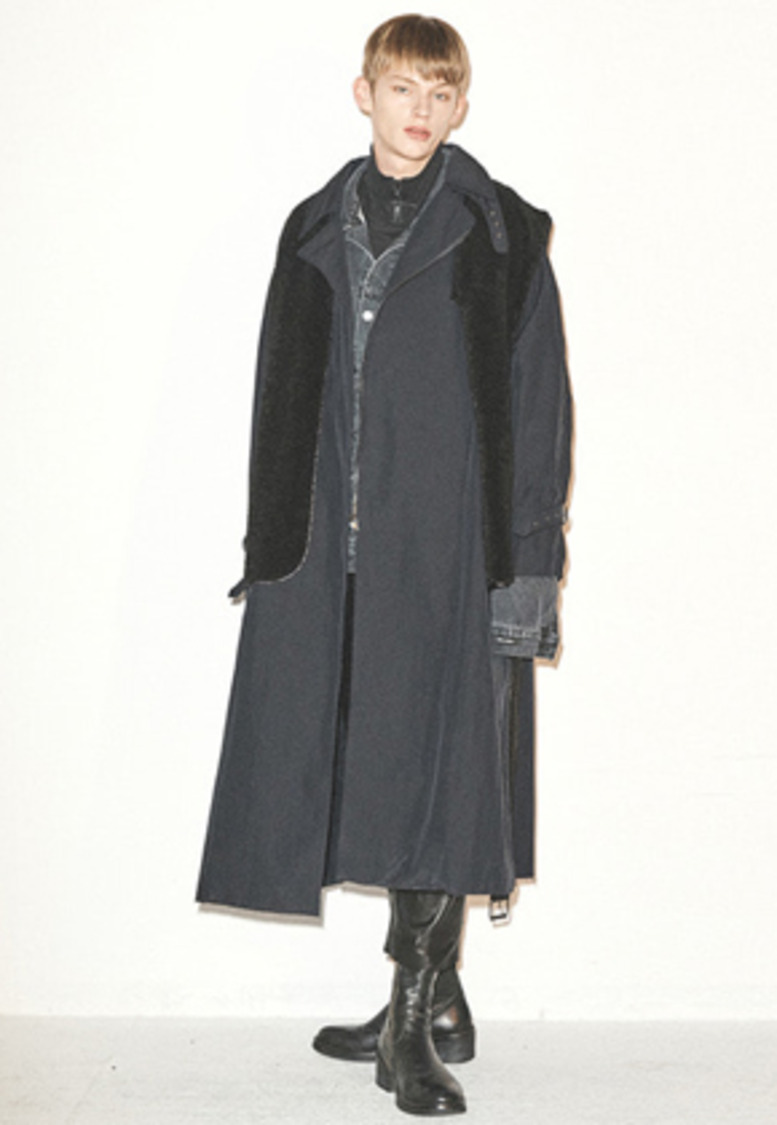 Haleine알렌느 BLACK lamskin detail ragran trench coat