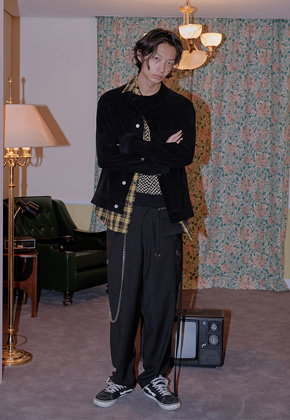 XYZ [ATM-쿠기 착용] UNISEX POCKET STRAP SLACKS - BLACK