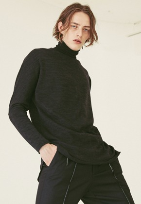 Ooparts오파츠 OPT18FWTS03BK Roll-neck knit sweater