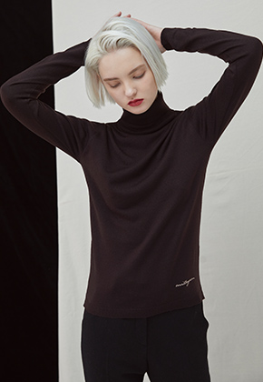 Millogrem밀로그램 Embo Turtleneck - brown