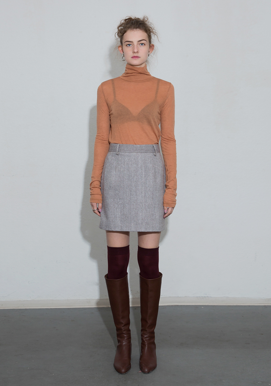 More or Less모어올레스 SOFT WOOL TURTLENECK TOP - ORANGE
