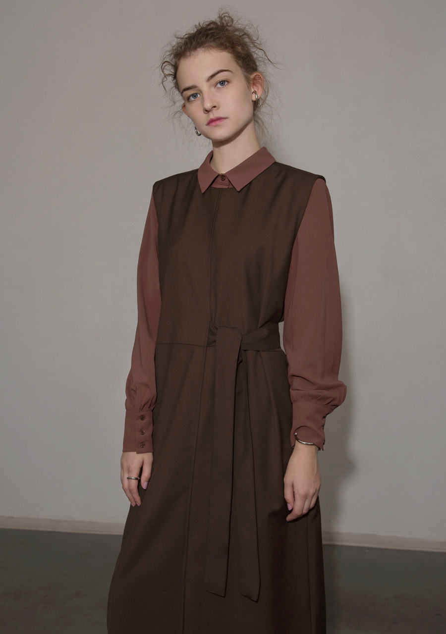 More or Less모어올레스 CLASSIC SOFT BLOUSE - BROWN