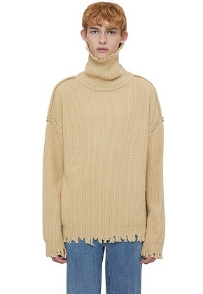 Lab101랩원오원 BEIGE NOMAD REVERSED TURTLE SWEATER