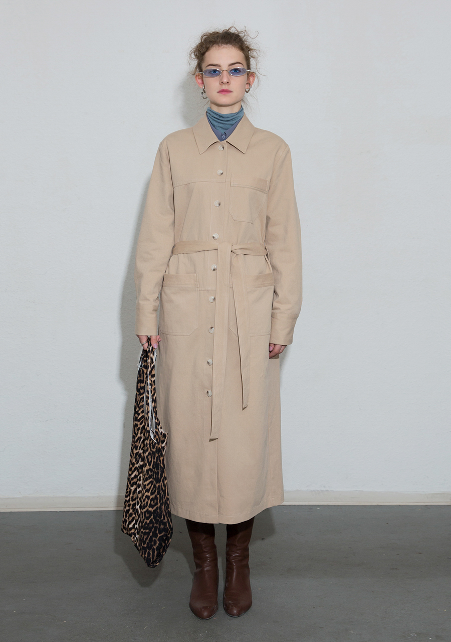 More or Less모어올레스 COTTON TRENCH DRESS - BEIGE