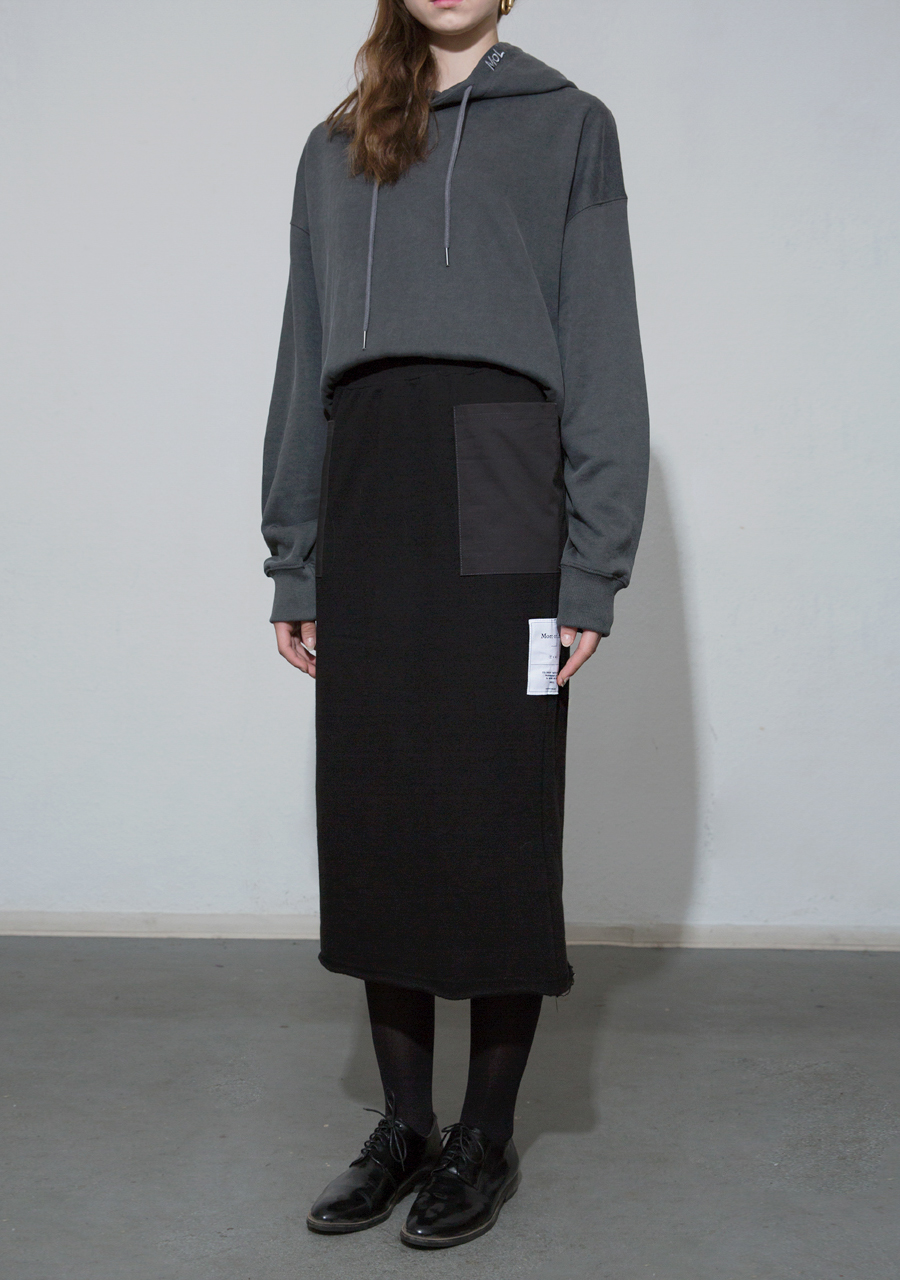 More or Less모어올레스 COMBO POCKET COTTON SKIRT - BLACK