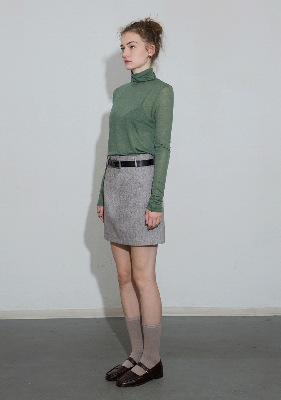 More or Less모어올레스 SOFT WOOL TURTLENECK TOP - GREEN