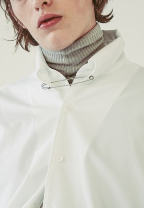 Ooparts오파츠 OPT18FWSH01WH Pin-detail Shirt  2 color