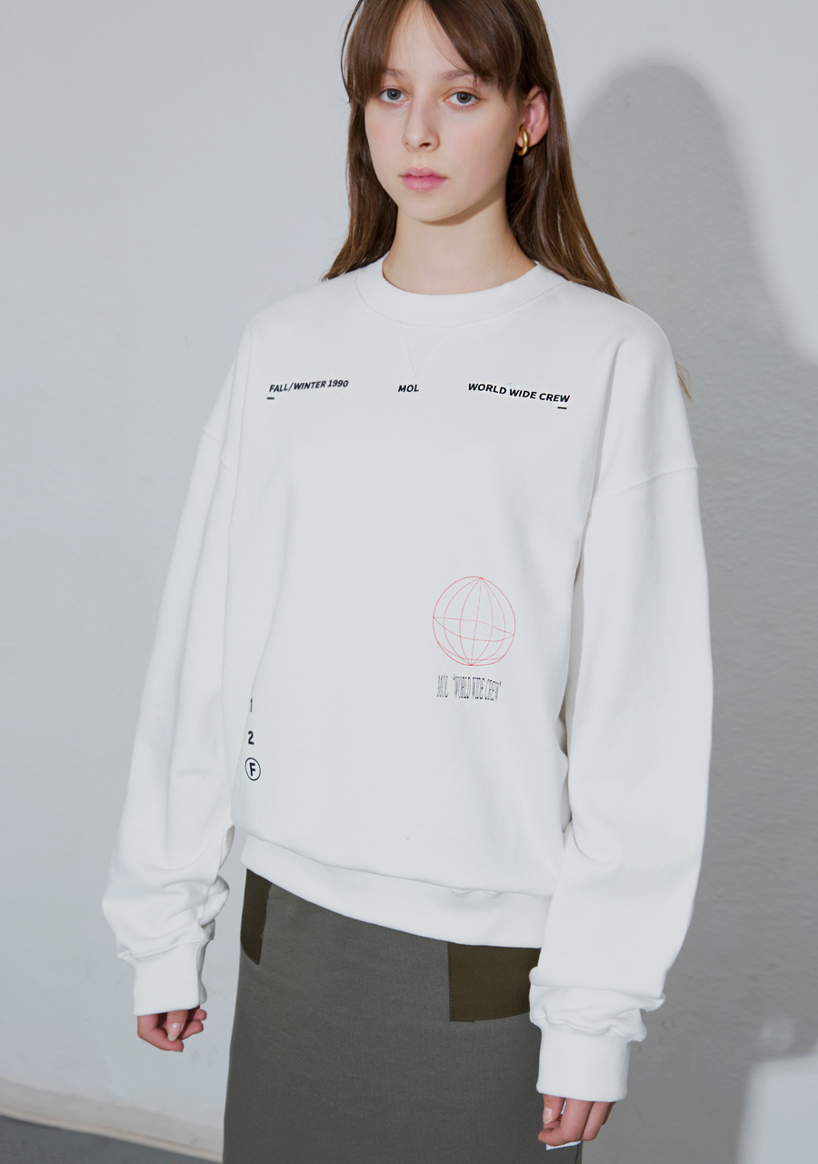 More or Less모어올레스 (UNISEX) WORLD WIDE CREW SWEATSHIRTS  - WHITE