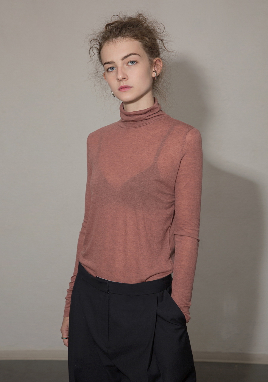 More or Less모어올레스 SOFT WOOL TURTLENECK TOP - PINK